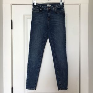 Dark wash jeans forever 21